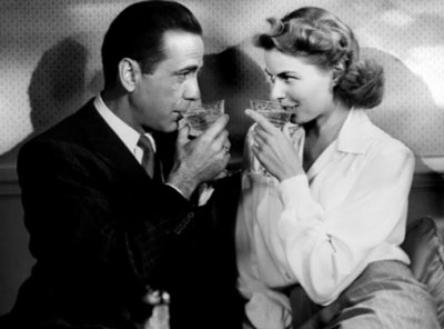 casablanca-couple-drinking